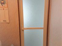 開き戸に変更しドア枠もスッキリ…