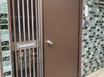 一日ですっかり新品の綺麗なドア…
